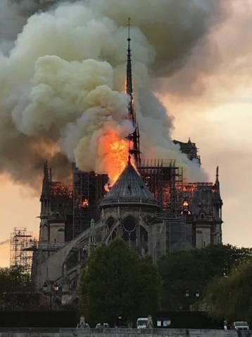 notre-dame-paris-feu-150419